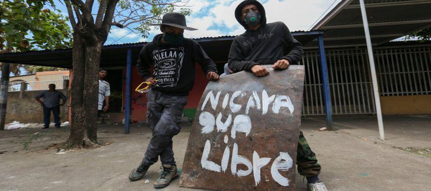 Los disturbios estallaron en respuesta a la decisión de Ortega para reforzar el aquejado...