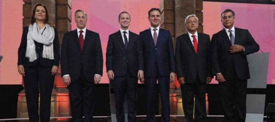 """López Obrador sufrió desde el primer momento en su """"tete a tete"""" con sus..."""