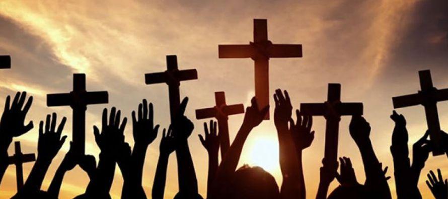 Al hacer reivindicaciones de este tipo se supone que las religiones son como asociaciones humanas...