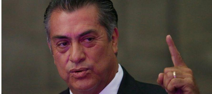 Durante el debate, el moderador pareció asombrado cuando Rodríguez afirmó:...