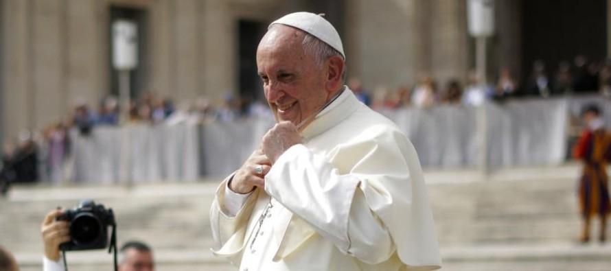 """El papa pide a las dos Coreas el valor para ser """"artesanos de paz"""""""