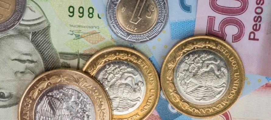 La moneda mexicana podría caer hasta 19,0 por dólar en caso de persistir el...
