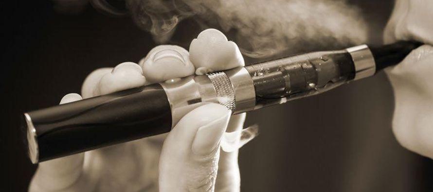 Esa división respecto al creciente mercado de las alternativas al cigarrillo, como...