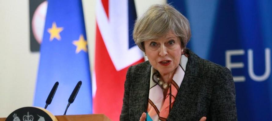 La jefa del Gobierno tiene previsto mantener hoy una reunión con destacados ministros para...