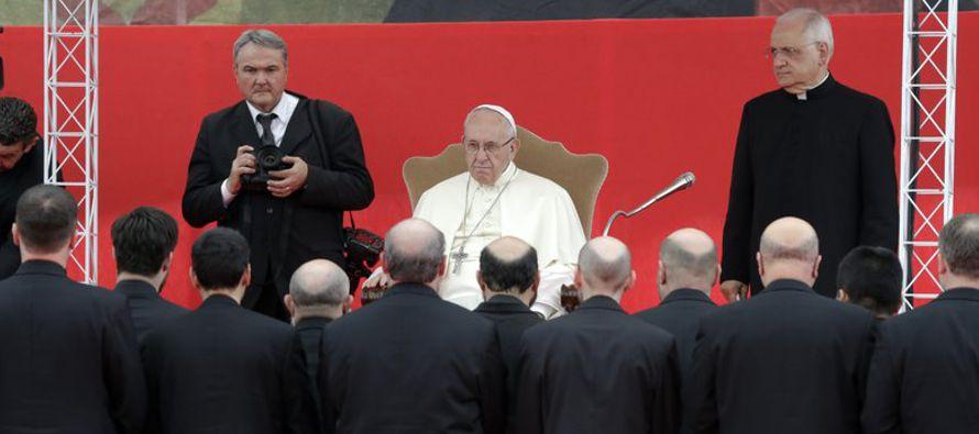 El papa Francisco exhortó el sábado a uno de los movimientos misioneros más...