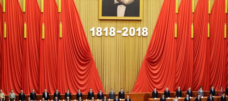 """""""Hoy conmemoramos a Marx para rendir homenaje al pensador más grande en la historia de..."""