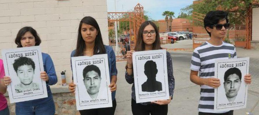 Mientras los padres de los desaparecidos y sus representantes no han tenido acceso a todo ese...