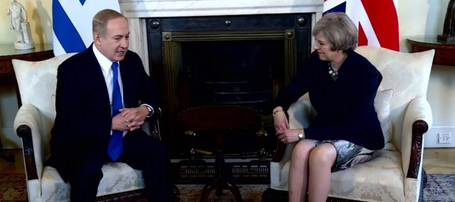 La jefa de Gobierno británica expresó al mandatario israelí que el Reino Unido...