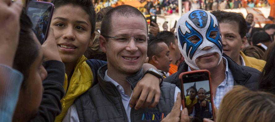 La relación con Peña Nieto es un tema de debate en el entorno de Anaya, según...