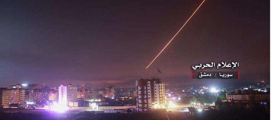 Los misiles iraníes disparados anoche contra bases israelíes, y la posterior ofensiva...