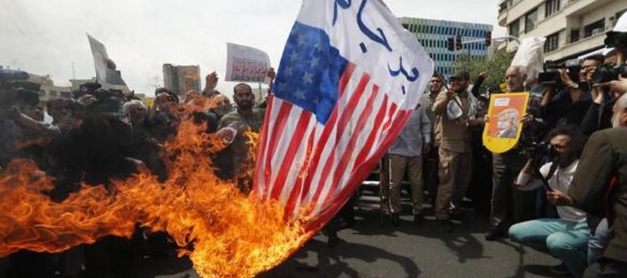 Mientras tanto crecen las protestas en las calles iraníes tras decisión de Donald...
