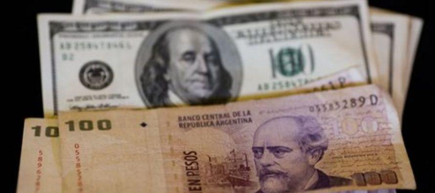 La devaluación, que se aceleró en las últimas semanas, obligó al Banco...