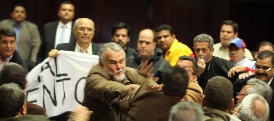 El acceso de la prensa al palacio legislativo se ha visto limitado desde el año pasado luego...