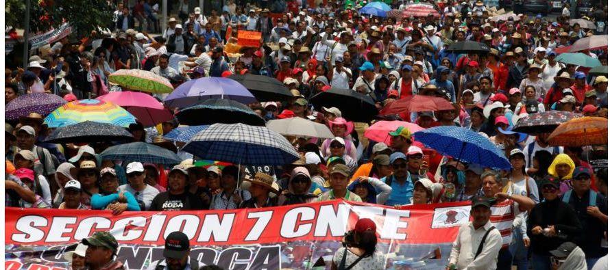 """""""Exigimos reinstalación inmediata a los maestros cesados, mesas de diálogo..."""