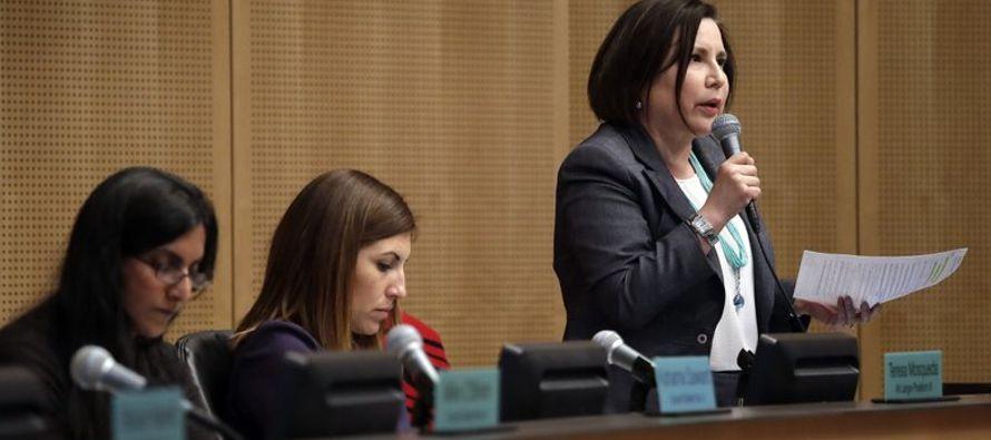 Starbucks, también basada en Seattle, criticó también al concejo,...