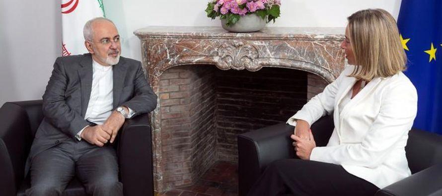 El acuerdo levantó sanciones internacionales contra Irán en 2016 a cambio de que...