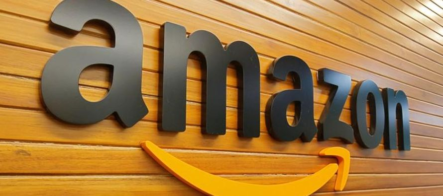 """Los paquetes elegibles para ser entregados en """"Puntos de entrega Amazon en OXXO"""" deben..."""