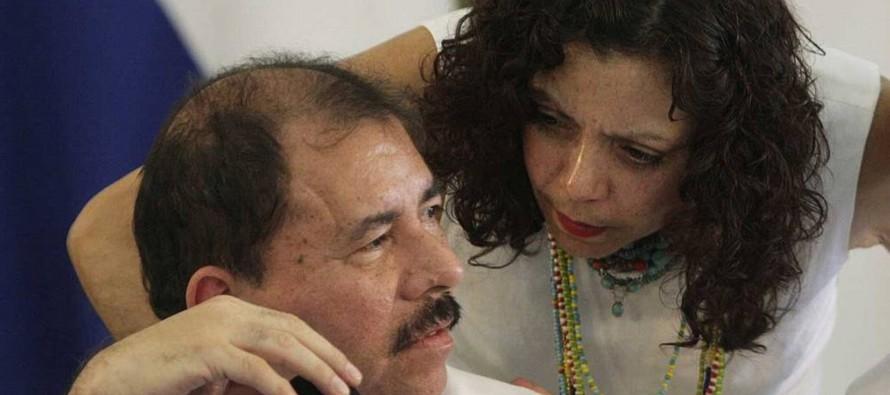 Murillo, que también es vocera del gobierno, anunció que ambos comparecerán al...