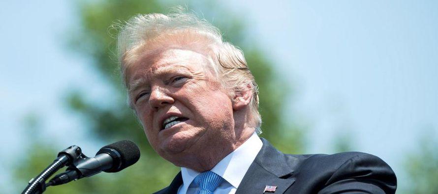 El comentario del presidente Donald Trump equiparando a los inmigrantes en situación...