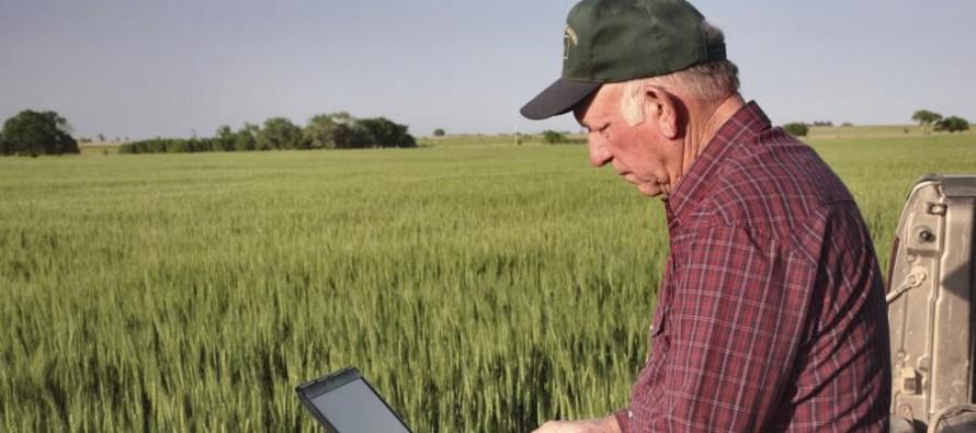 """""""Trabajaremos en dotar de más soluciones digitales a sectores como la agricultura y..."""