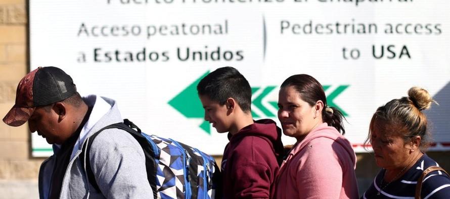 Funcionarios mexicanos dijeron que los migrantes no tenían ninguna obligación legal...