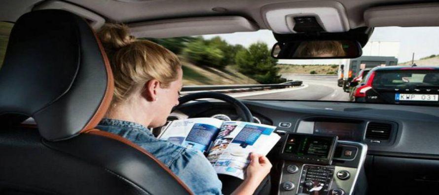 Al mismo tiempo que los fabricantes de automóviles y empresas tecnológicas aceleran...