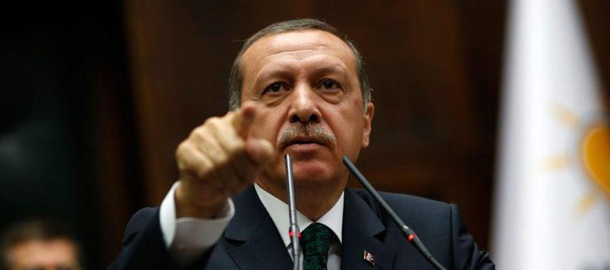 La reacción de Macron se produce después de que simpatizantes de Erdogan atacaran...