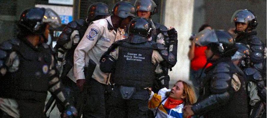 Los expertos consideran que Maduro, las Fuerzas Armadas y algunos miembros de su Gobierno son...