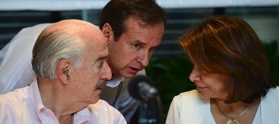 En  América Latina figuras como la de los expresidentes mexicanos Carlos Salinas de Gortari,...