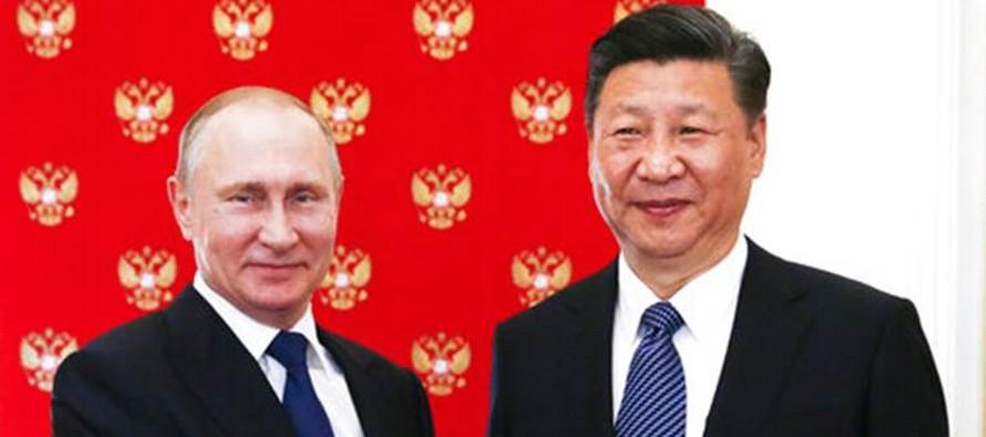 Los dos mandatarios se reunieron hoy en el Gran Palacio del Pueblo de Pekín, protagonizando...
