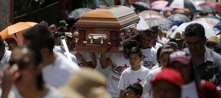 El homicidio de un candidato a diputado en el norteño estado mexicano de Coahuila,...