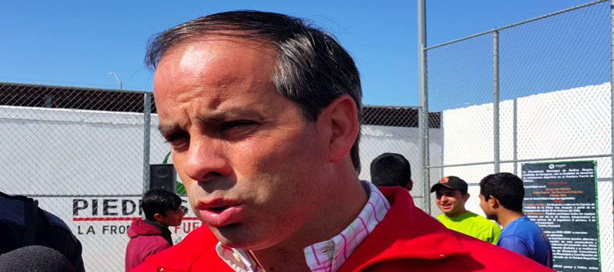 Fernando Purón, del oficialistas Partido Revolucionario Institucional (PRI) recibió...