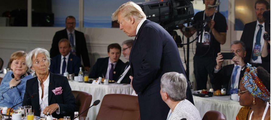 La cumbre se realizó en medio de una disputa comercial en curso con China y sirvió de...