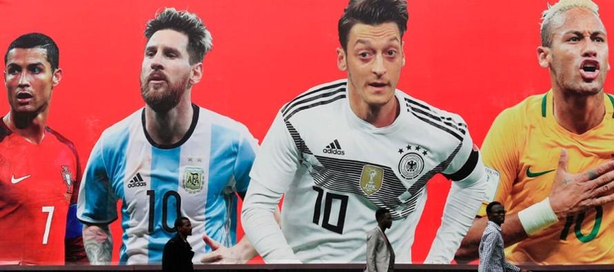 Es lo que hace: el fútbol es la mejor máquina de ficción que hemos inventado...