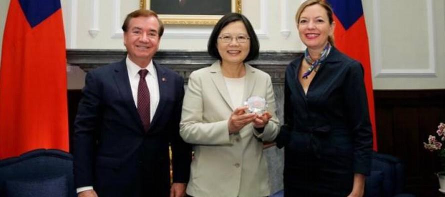 Al evento asistieron la presidenta taiwanesa, Tsai Ing-wen, y el primer ministro, William Lai, lo...
