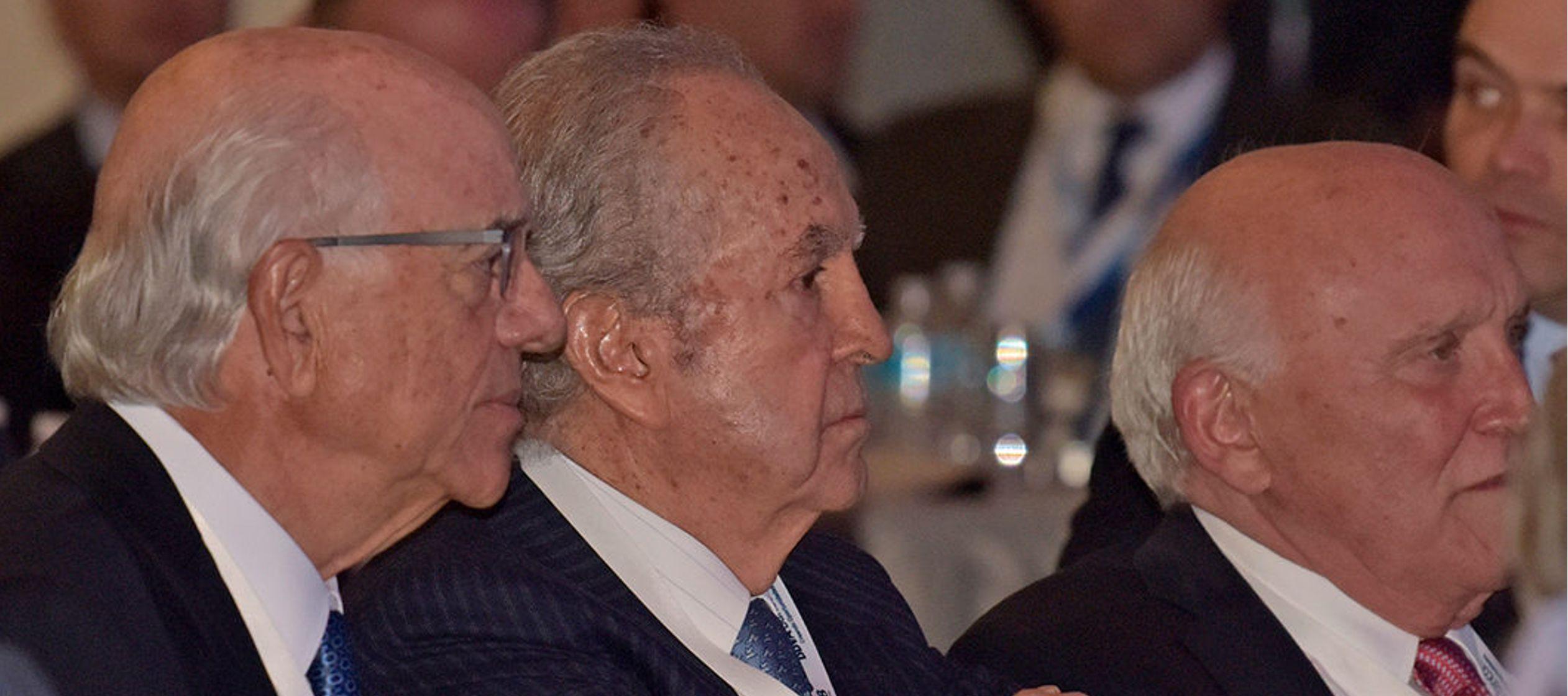 En Grupo Bal, que incluye El Palacio de Hierro, Peñoles y Petrobal, además de las...