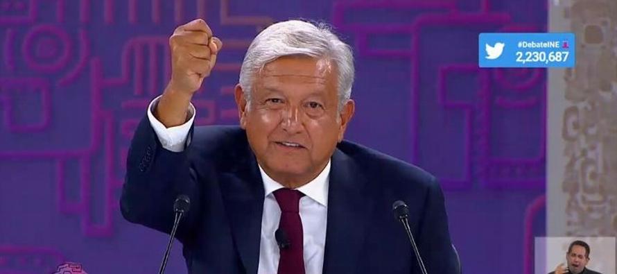 """López Obrador salió al paso de acusaciones de sus rivales. """"Yo qué culpa..."""