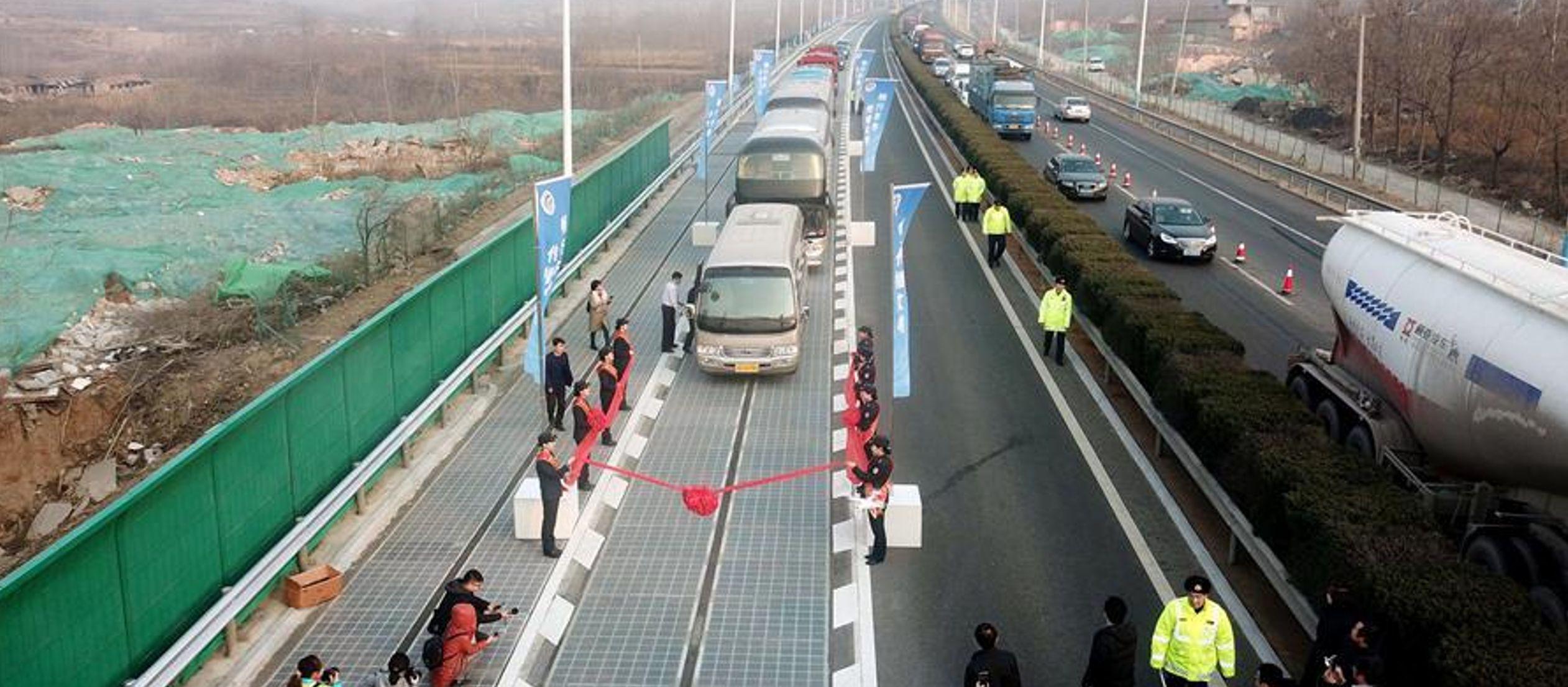 Es una carretera difícil de recorrer en auto en cualquier condición. Sin embargo, los...