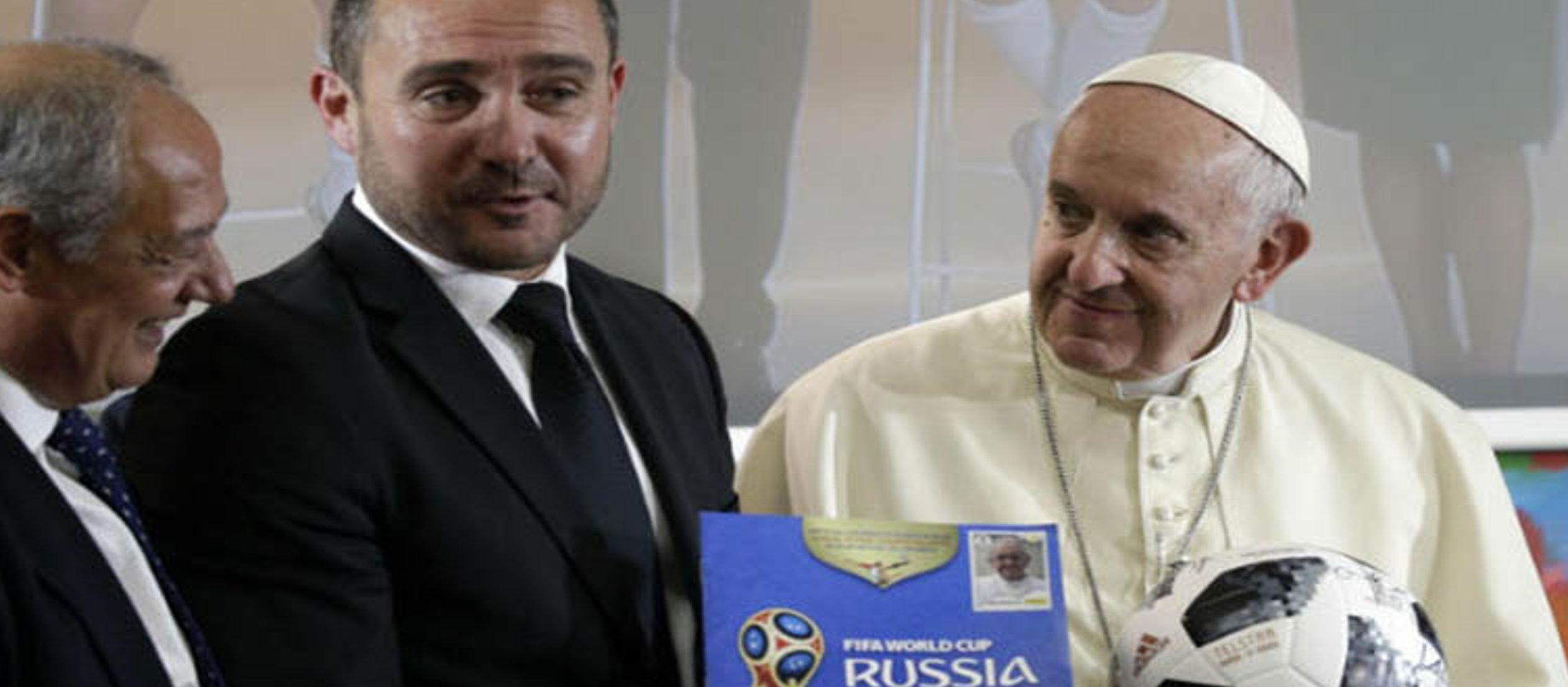 """""""Mañana se abre el Mundial de fútbol de Rusia. Deseo enviar mu cordial saludo a..."""