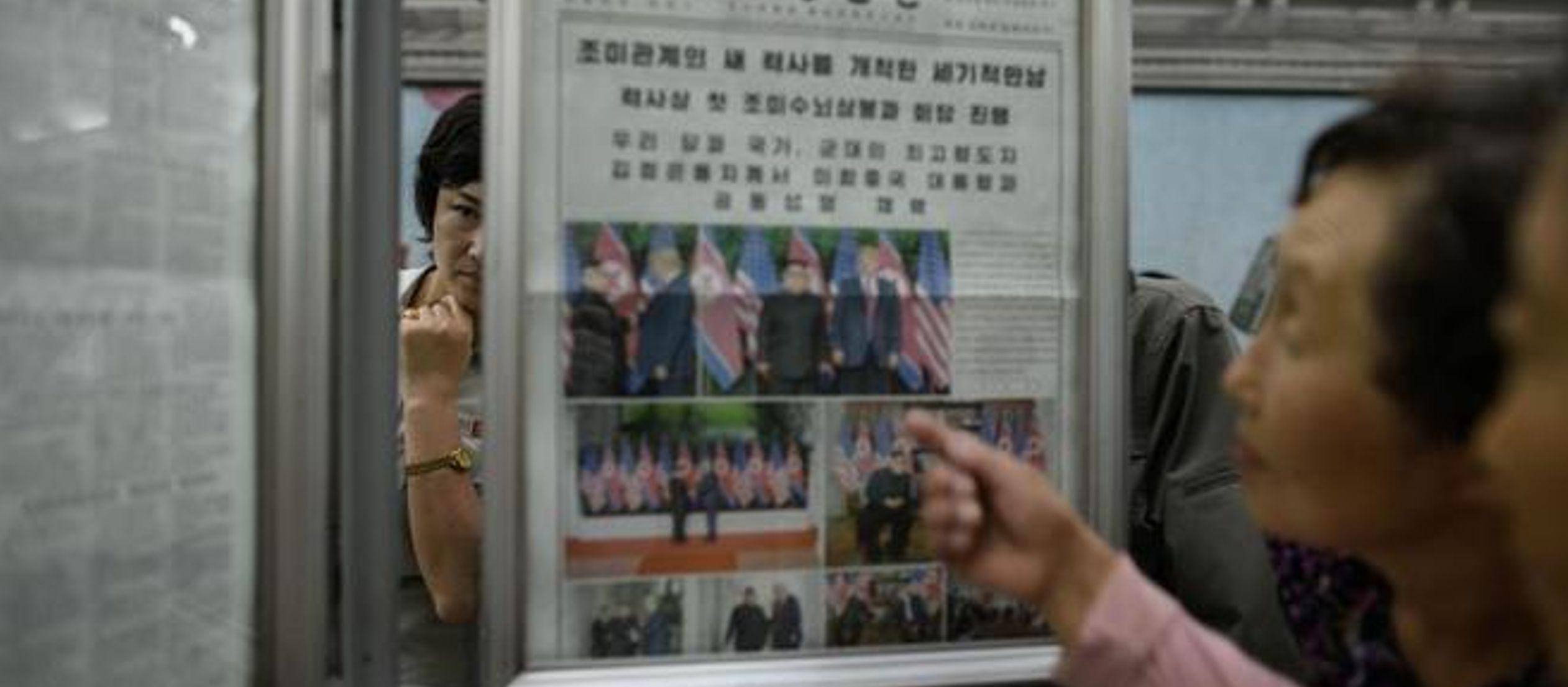 Según los medios norcoreanos, Trump y Kim Jong-un acordaron visitar sus respectivos...