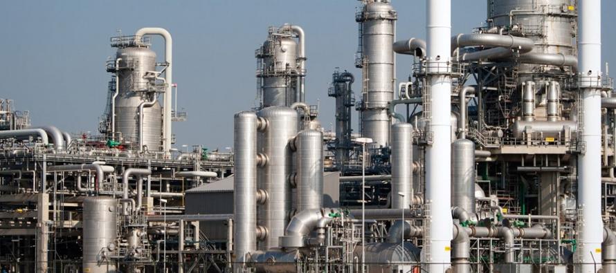 ¿Es negocio o no producir gasolina? Especialistas en el sector consideran que esta...
