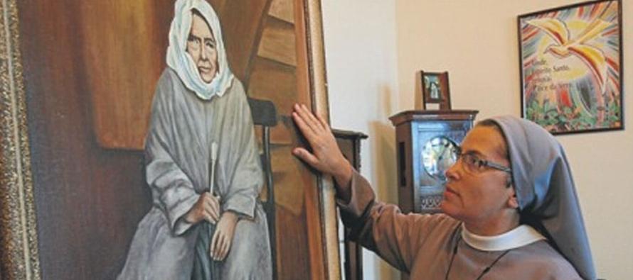 Ante la vida de esta gran mujer vienen a la memoria las palabras de san Pablo en su himno de la...