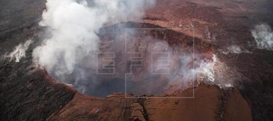 El cráter en cuestión, el Halemaumau, está ubicado en la cumbre del...