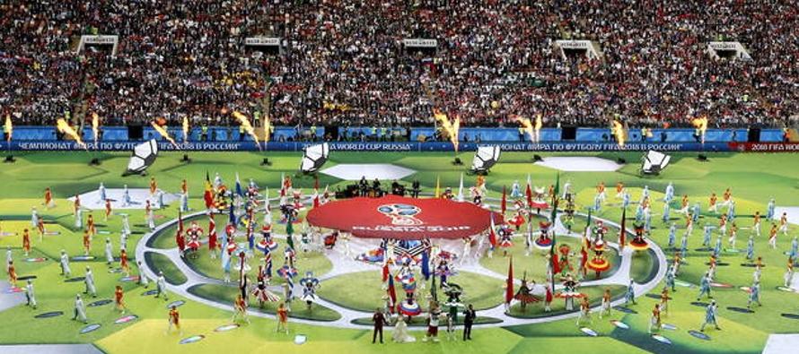 Luzhnikí, un estadio con capacidad para 81,000 espectadores, vistió sus mejores galas...