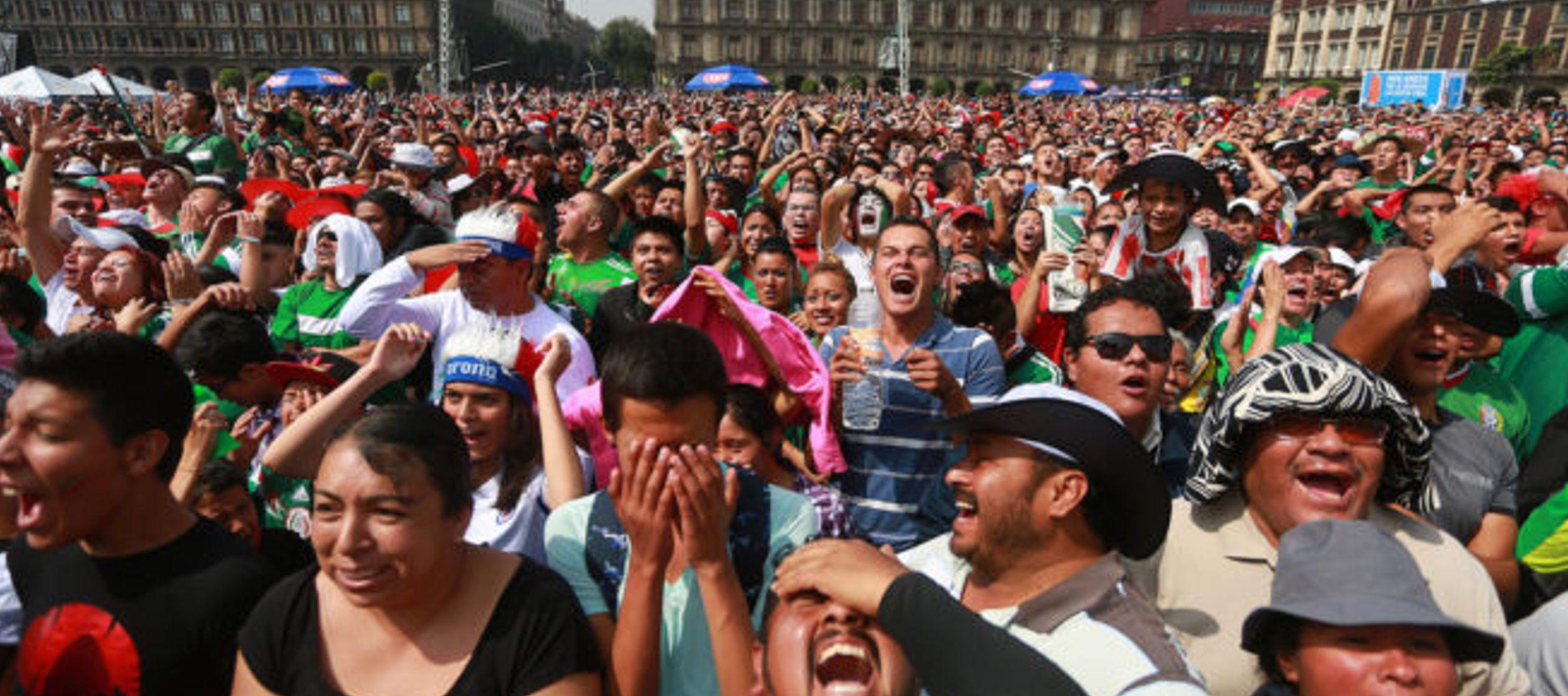 Cada 12 años, la Copa del Mundo del deporte más popular del planeta coincide con las...