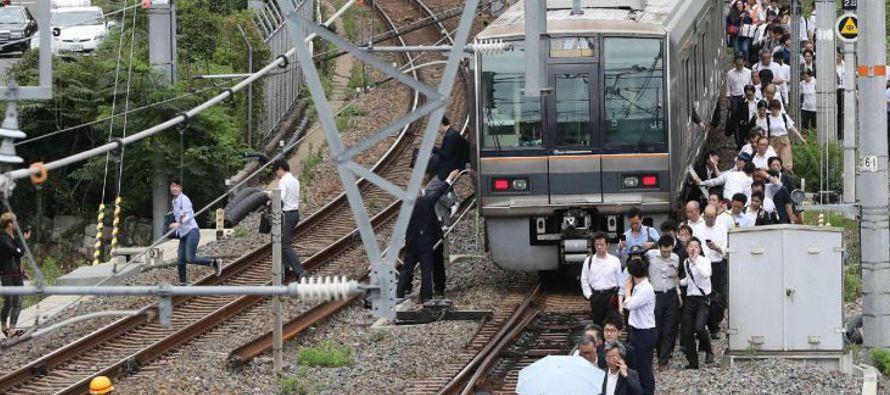Un terremoto de 6,1 grados de magnitud sacudió hoy el oeste de Japón y causó...
