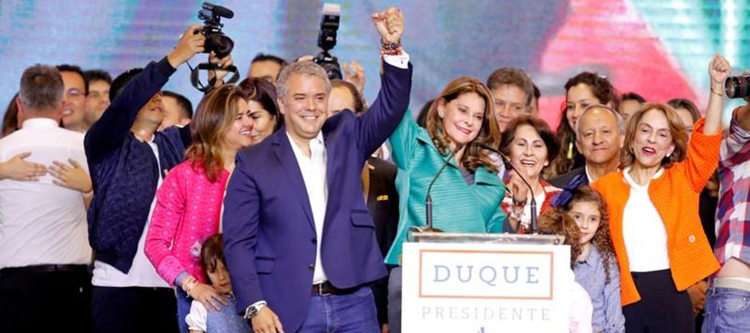 El exsenador y abogado prometió en su discurso de victoria unir al país polarizado,...