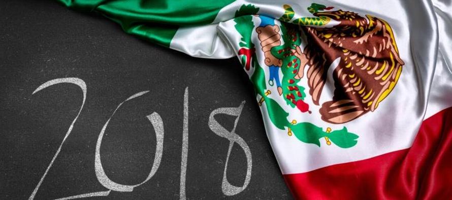 El peso mexicano ha caído un 12 por ciento frente al dólar desde mediados de abril,...