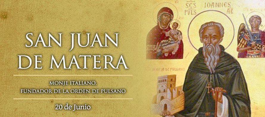 En el monasterio de San Jacobo de Foggia, en la Apulia, Italia, san Juan de Matera, abad, insigne...