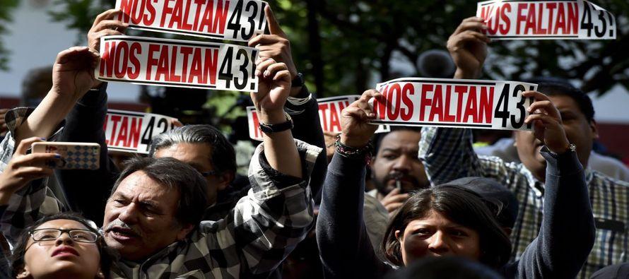 La desaparición de 43 estudiantes normalistas durante la noche del 26 de septiembre de 2014...